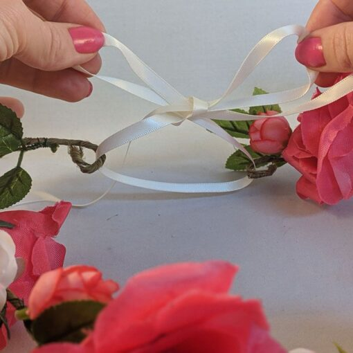 close-up-of-DIY-flower-crown-kit