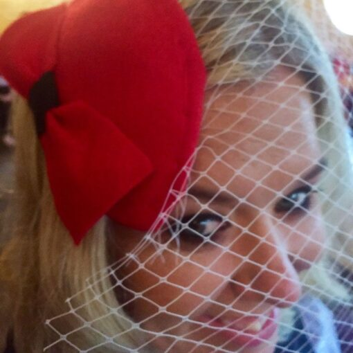 lady-wearing-fascinator-at-hen-party-ireland